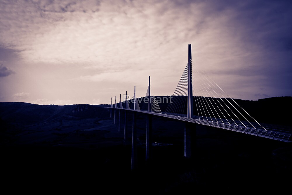 Millaud viaduct by Revenant