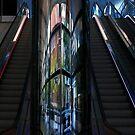 Innen ... Modernes Gebäude in Perth von Angelika  Vogel
