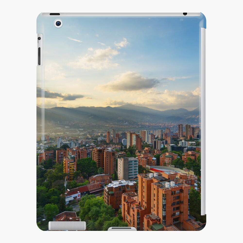 Medellin an einem sonnigen Nachmittag iPad-Hülle & Skin