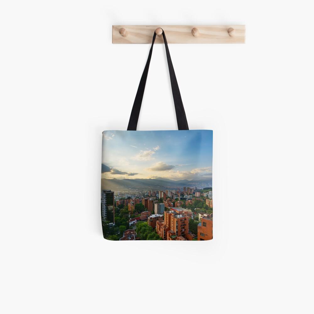 Medellin an einem sonnigen Nachmittag Stofftasche