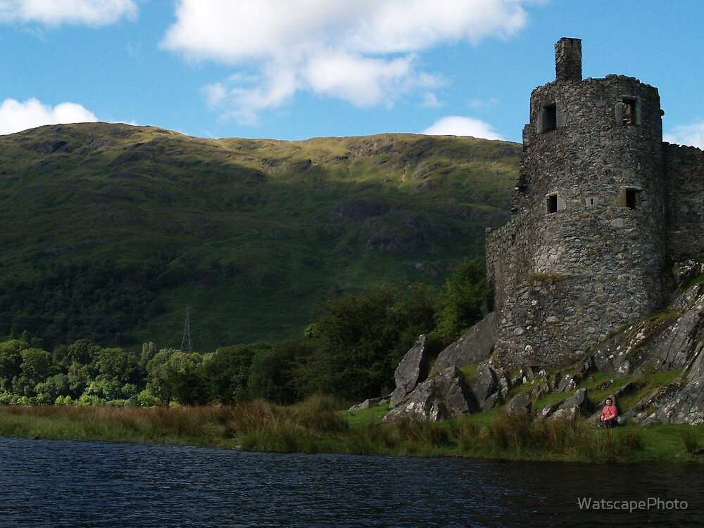 Kilchurn Castle by WatscapePhoto