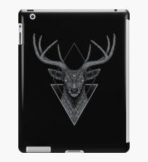 Dunkler Hirsch iPad-Hülle & Klebefolie