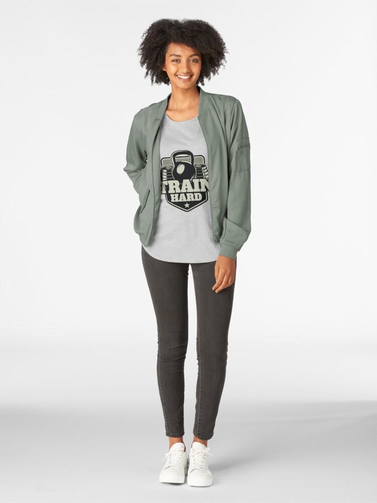Alternative Ansicht von Train Hard Premium Rundhals-Shirt