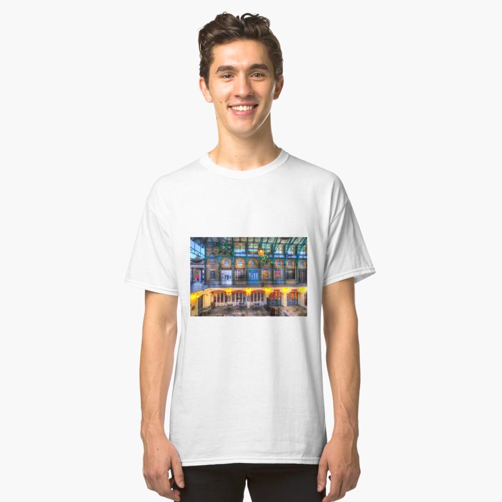 Der Schlag und Judy Pub Covent Garden Classic T-Shirt