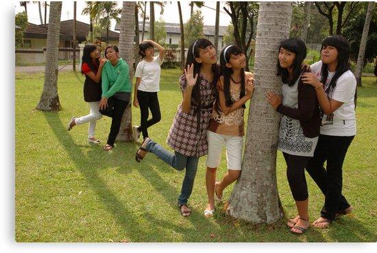group of teenage girl by bayu harsa