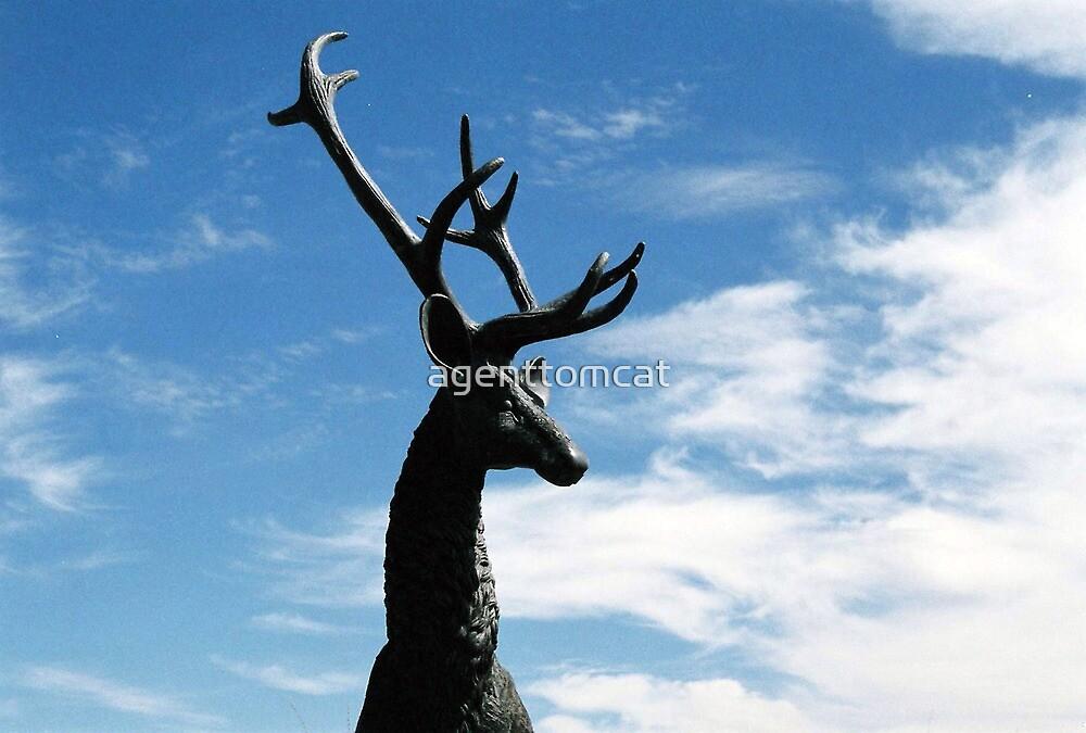 Male deer statue in Farmington by agenttomcat