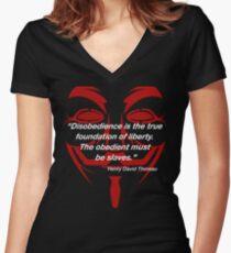 Henry David Thoreau-Zitat auf Freiheits-Entwurf Tailliertes T-Shirt mit V-Ausschnitt