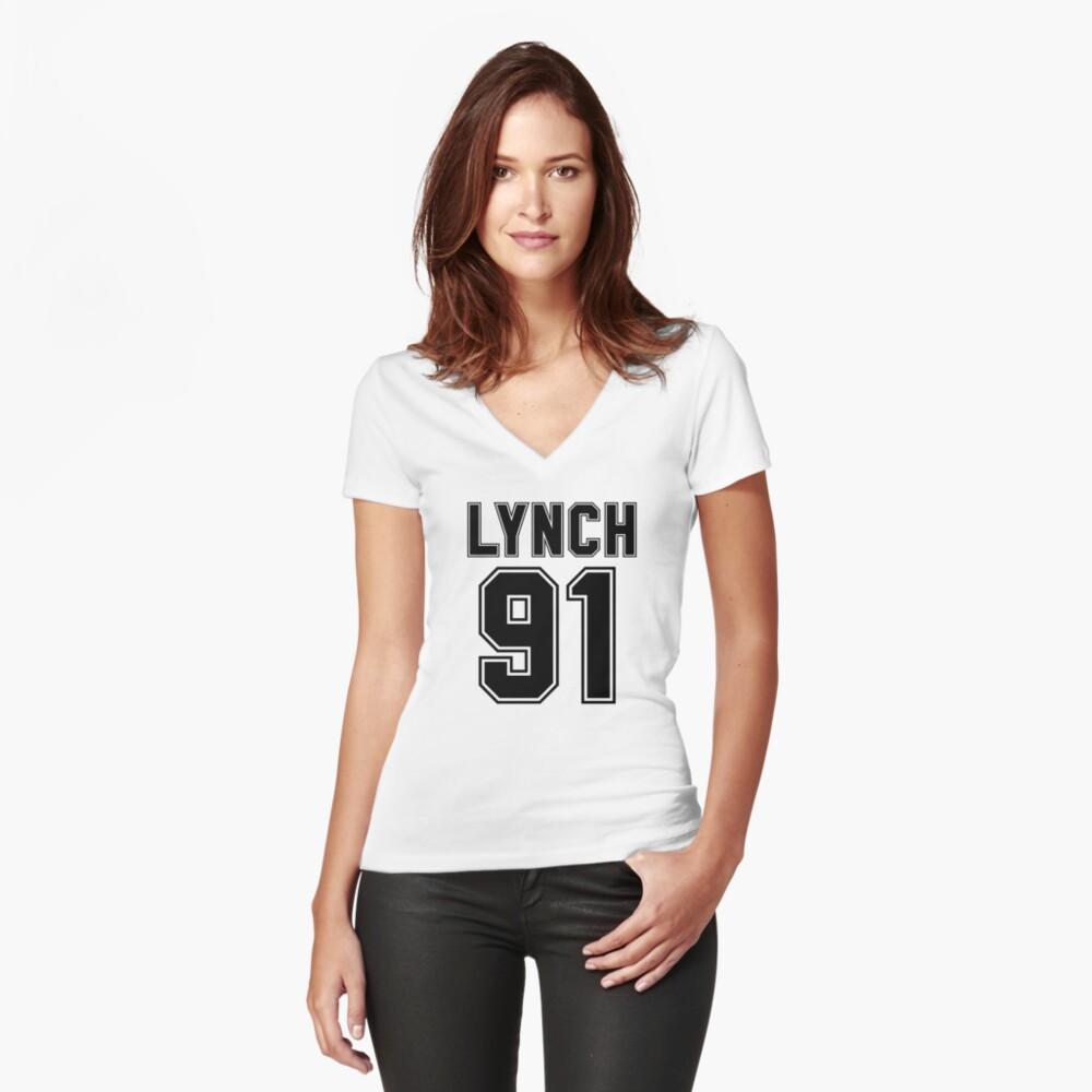 Riker Lynch (Schwarz) Tailliertes T-Shirt mit V-Ausschnitt