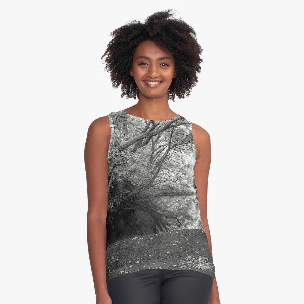 Reflecting infrared Sleeveless Top