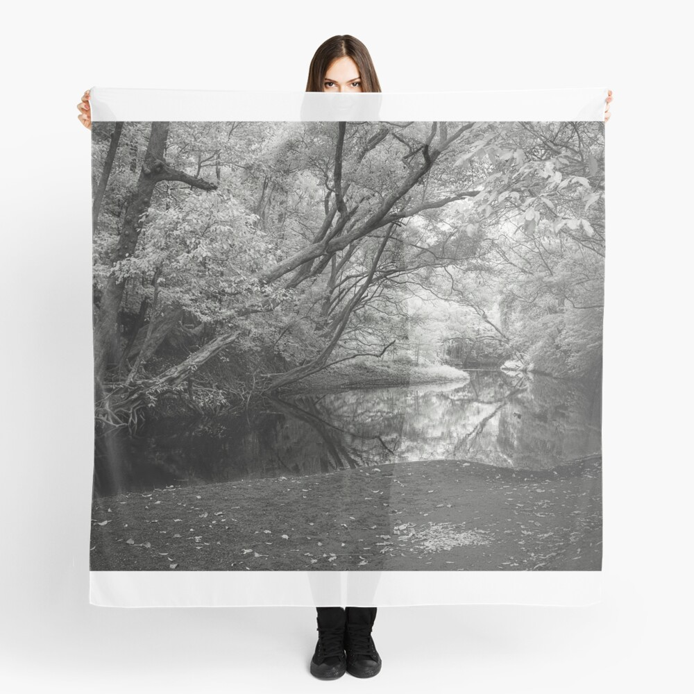 Reflecting infrared Scarf