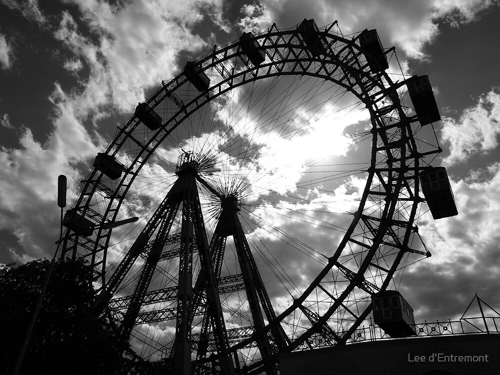 Wiener Riesenrad. by Lee d'Entremont