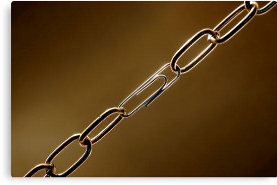 Weak Chain by AlvaroGerman