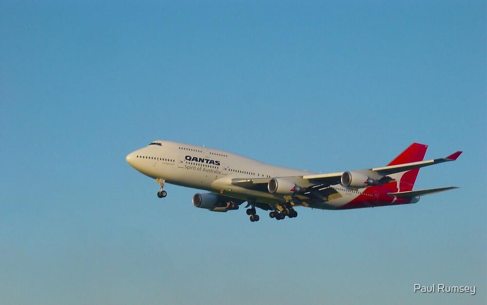Qantas 747 arrives LAX at Sunset