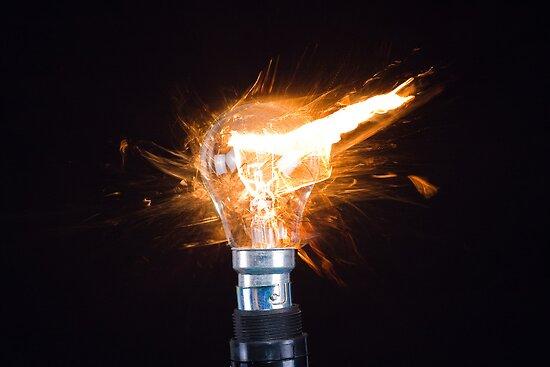 Light Bulb by Andrew748