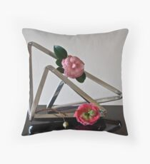 Ikebana-171 Throw Pillow