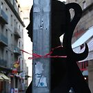 Elle portait un ruban rose au cou...  by Pascale Baud