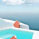 Santorini Pool mit Blick auf das Meer von PrintsProject