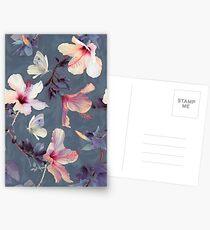 Schmetterlinge und Hibiskus-Blumen - ein gemaltes Muster Postkarten
