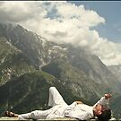 LAID BACK IN TRIUND by manumint