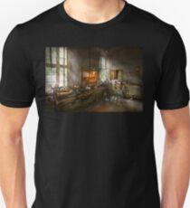 Machinist - Lathes Unisex T-Shirt