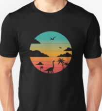 Retro dinosaur in circle with clouds, palm trees and pterodactyls Slim Fit T-Shirt
