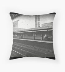 New Yorkers waiting on the train Throw Pillow