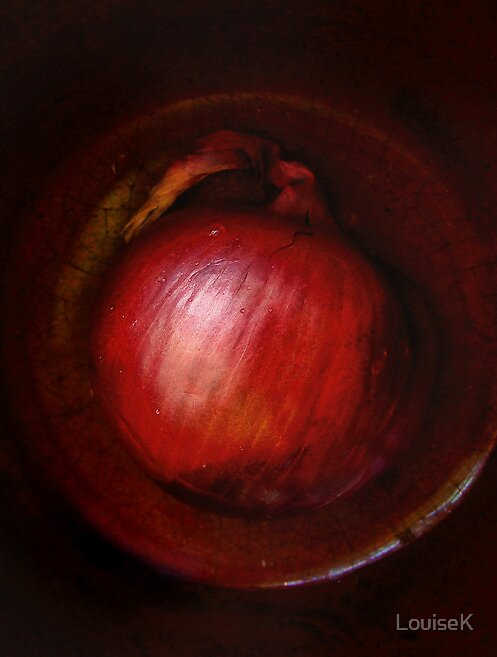 Red Onion by LouiseK