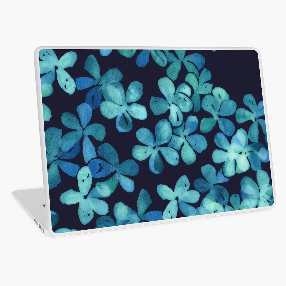Patrón floral pintado a mano en azul marino y verde azulado Vinilo para portátil