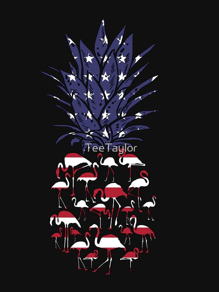 Patriotischer Ananas-Flamingo US-Flaggen-Juli 4. T-Shirt von TeeTaylor