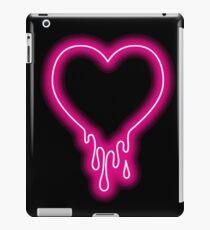 Vinilo o funda para iPad Goteando corazón de neón