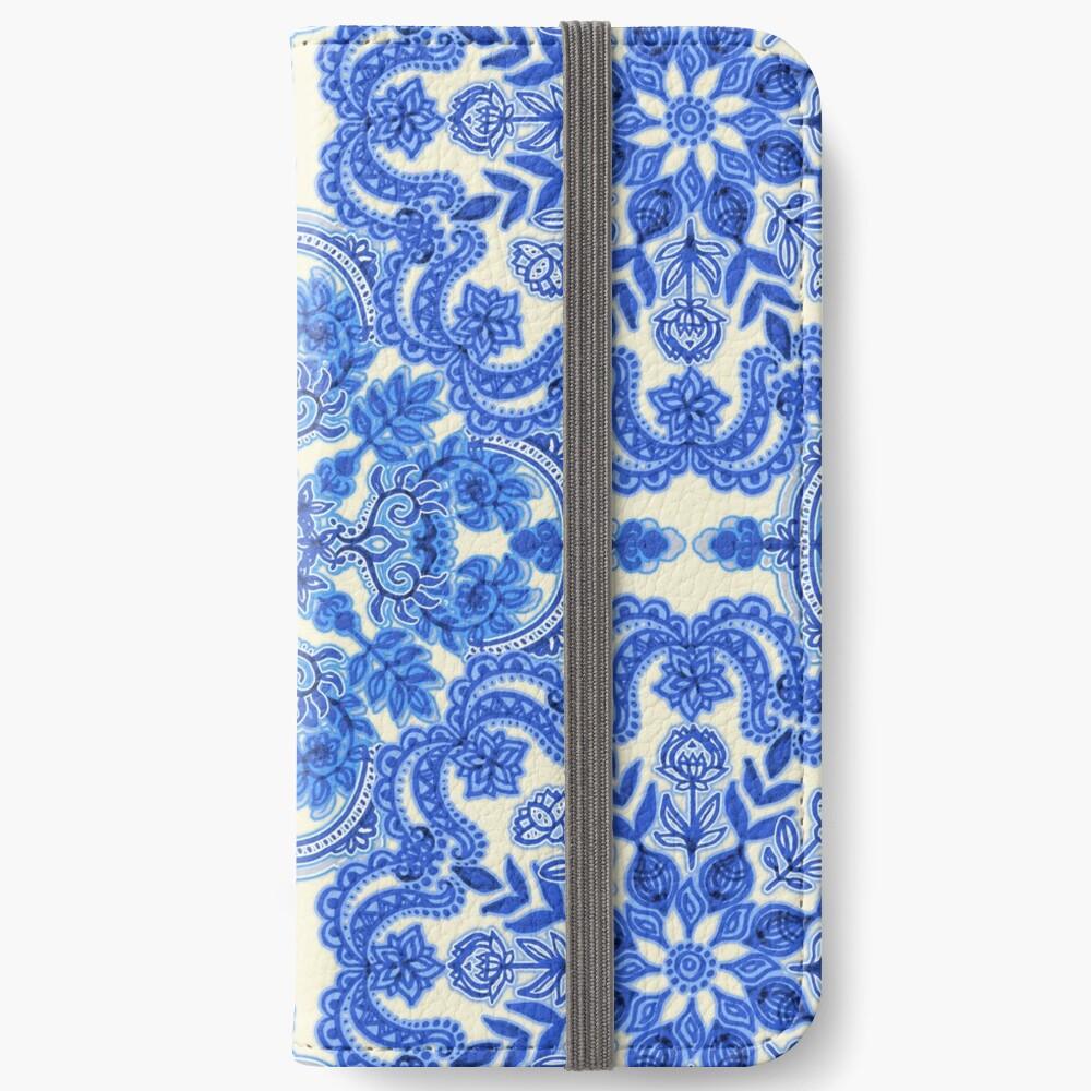Kobaltblau und China White Folk Art Pattern iPhone Flip-Case