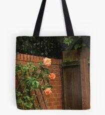 Kletternde Rosen Tote Bag