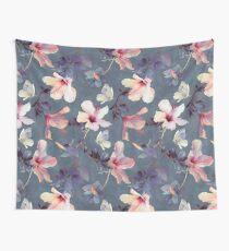 Schmetterlinge und Hibiskus-Blumen - ein gemaltes Muster Wandbehang