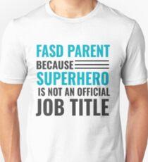 Nicht alle Superhelden tragen Umhänge. Slim Fit T-Shirt