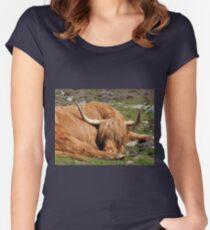 Brauchen einen Haarschnitt Tailliertes Rundhals-Shirt