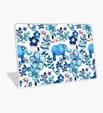 Rosa, weißer und blauer Elefant und Blumenaquarell-Muster erröten Laptop Folie