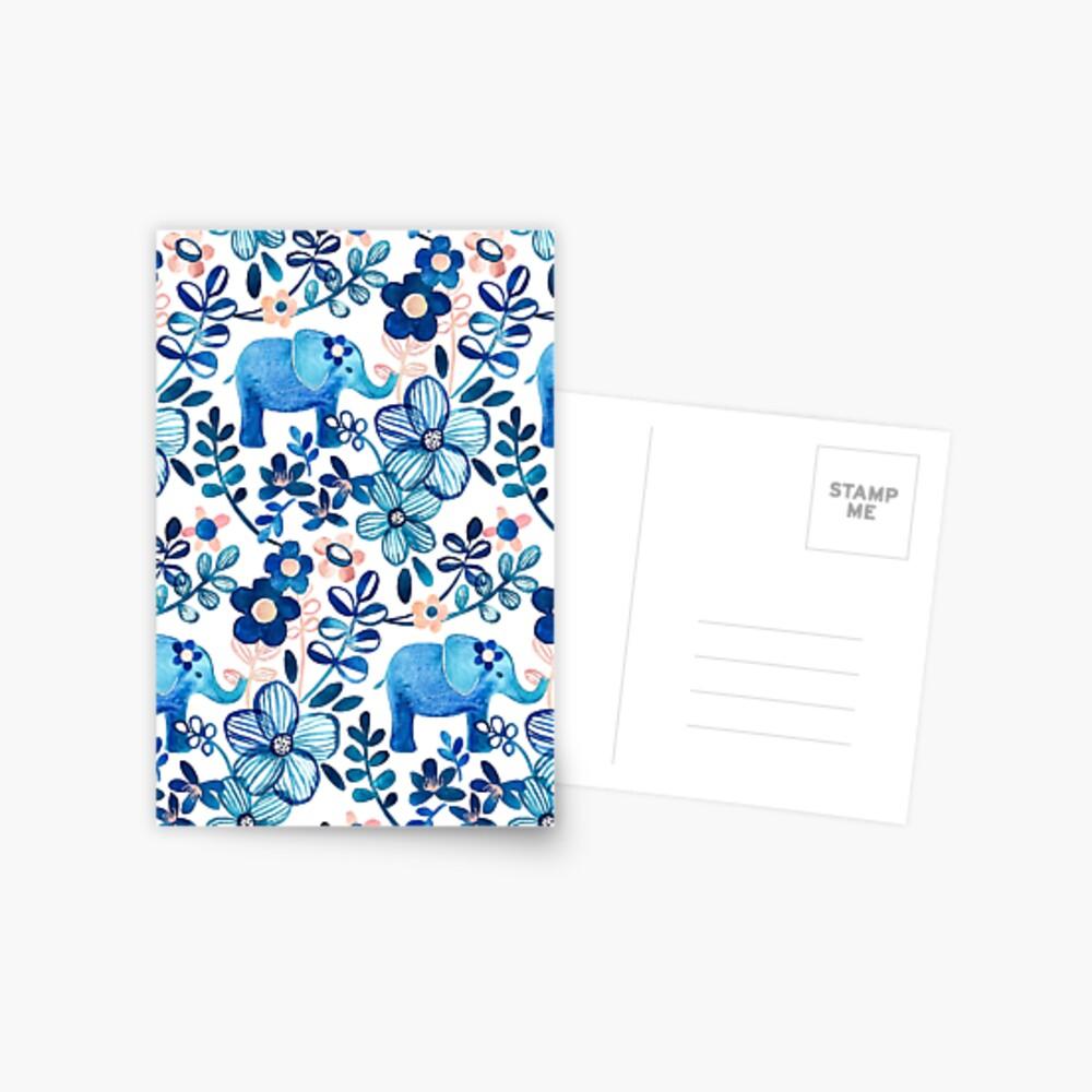 Rosa, weißer und blauer Elefant und Blumenaquarell-Muster erröten Postkarte