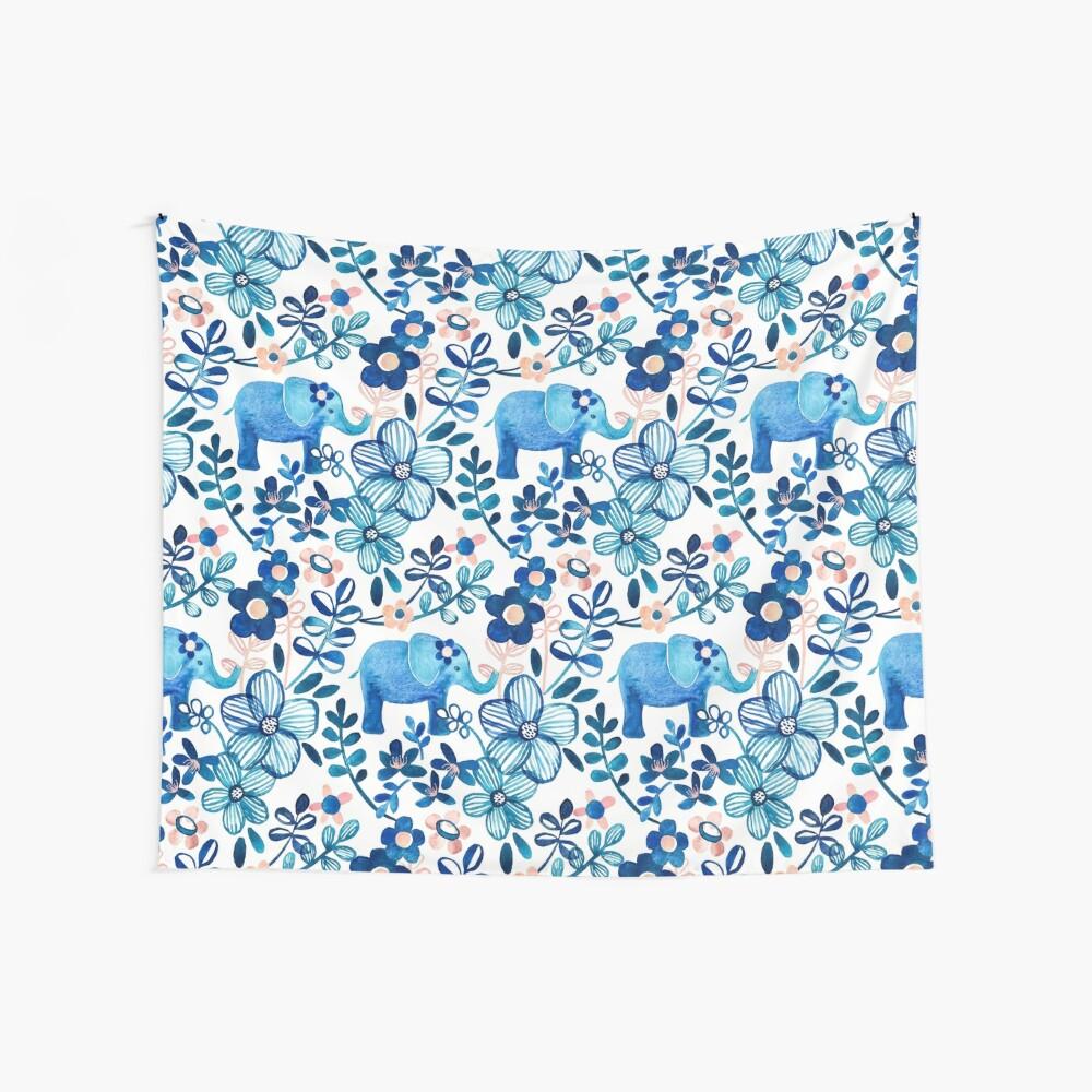 Rosa, weißer und blauer Elefant und Blumenaquarell-Muster erröten Wandbehang