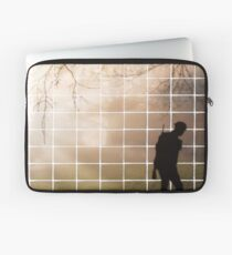 Remembrance Tribute - Soldier -  Going Down of the Sun Laptop Sleeve