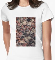 Dried Autumn Leaves - HD Nature Fitted T-Shirt