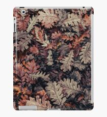 Dried Autumn Leaves - HD Nature iPad Case/Skin