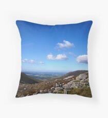 NI landscape Belfast Throw Pillow