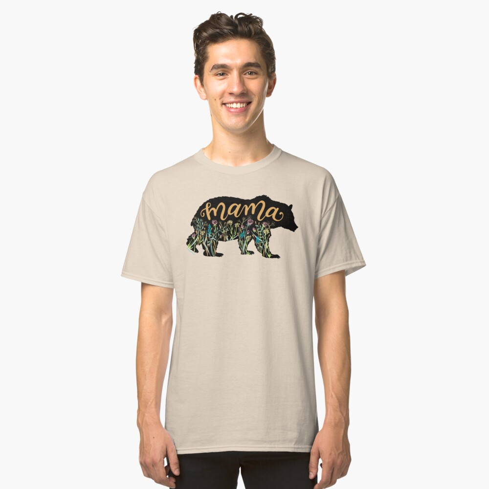 Mutter Bear mit Wildflowers Hand Lettered Illustration Classic T-Shirt