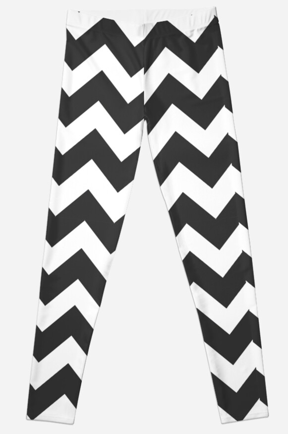 Popular Black and White Chevron Pattern by frittata