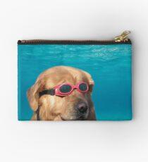 Bolso de mano perro nadador