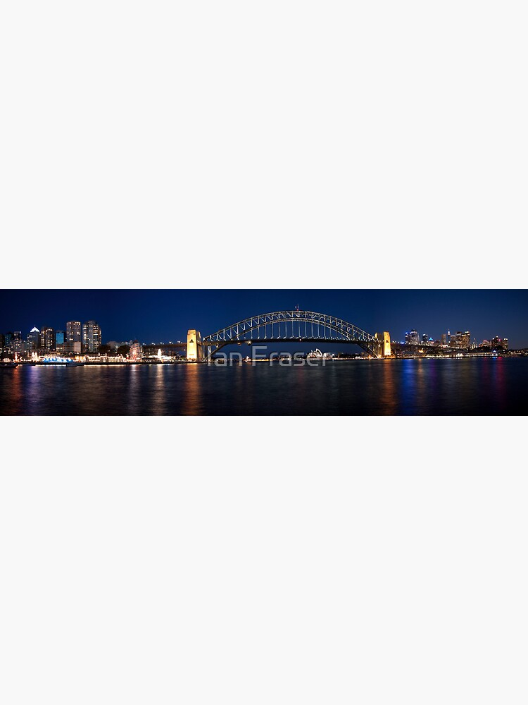 Sydney by Night. by Mowog