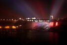 Niagara falls by Daphne Johnson