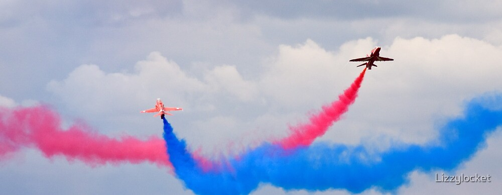 Red Arrows Crossover by Lizzylocket