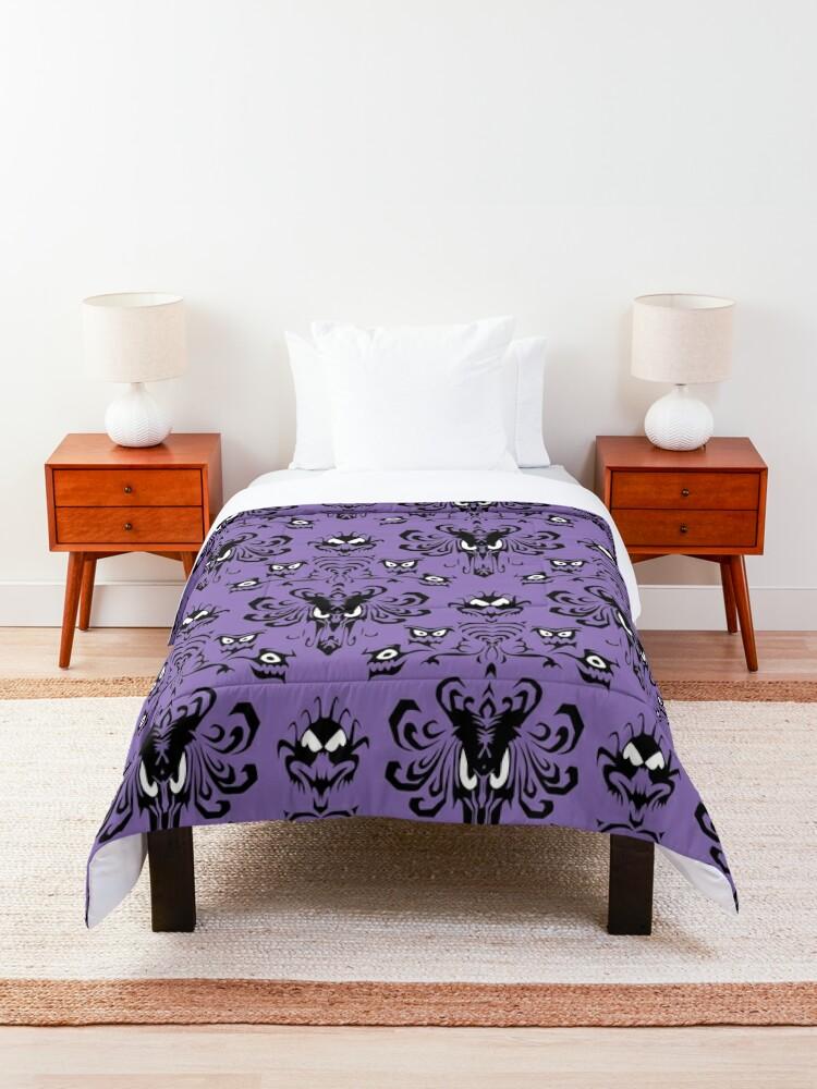 Alternate view of 999 Happy Haunts Comforter