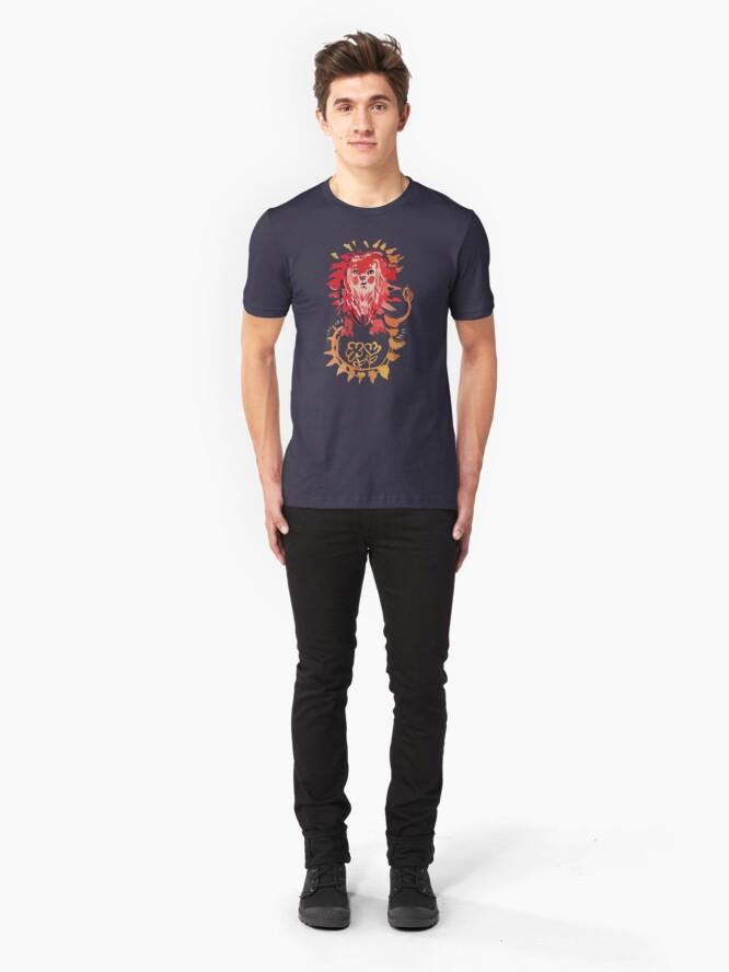 Alternative Ansicht von Löwe, Sonne und Blumen Slim Fit T-Shirt